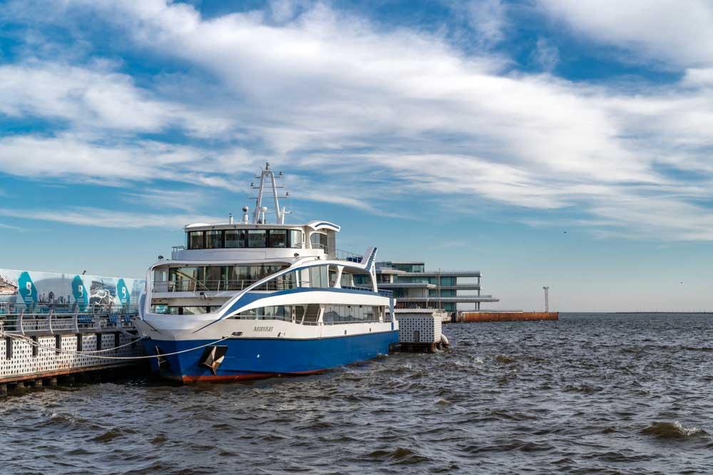 30 min boat tour on Caspian Sea