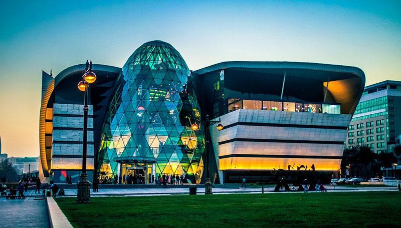 Baku Boulevard Park Bulvar