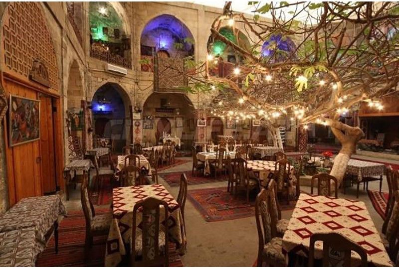 Mugam Club - Enjoy traditional music of Azerbaijan with its tasty local meals